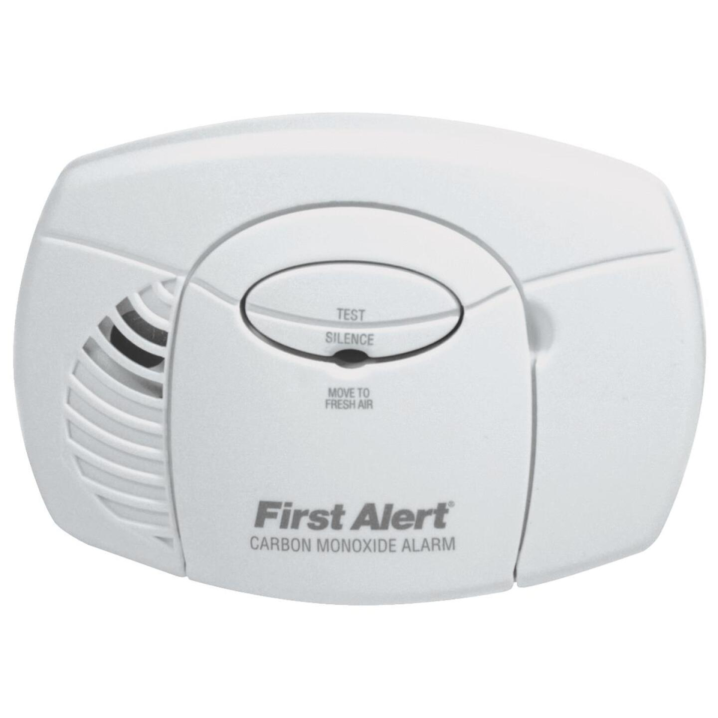 First Alert Battery Operated 9V Electrochemical Carbon Monoxide Alarm Image 1